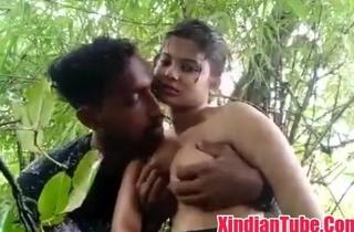 Desi Indian girl blowjob in fretwork
