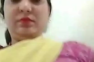 PATI SE DARTE Identity BHABHI APNE MAST Breast DIKHATI HUI HINDI