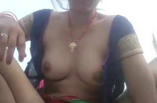Beautiful wife alien Bihar films herself fingering