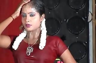 Tamil hawt dance- antha nilava than