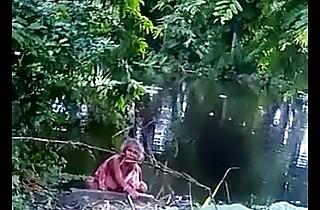 Desi aunty peeing outdoor