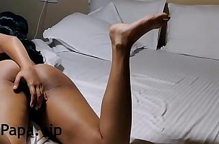 हॉर्नी देसी इंडियन भाबी अपने साथ सैक्स करते हुए खुद को चूड रही है हरामी हिन्दू भाभी का सैक्स