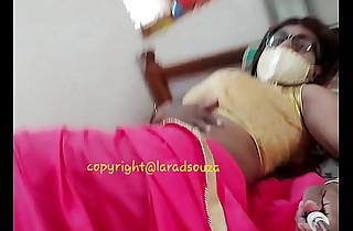 Indian sexy crossdresser Lara D'Souza sexy video in saree