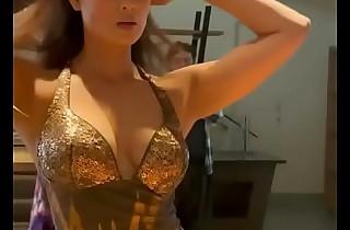 Shweta Tiwari Hot Cleavage Show be proper of MILF lovers