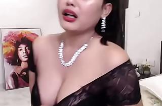 Indian Hot web camera comprehensive enjoying her show (english)