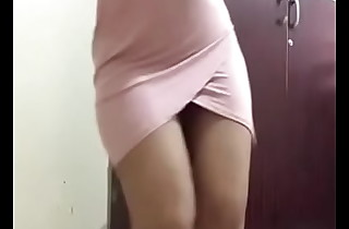indian girl sanya sharma showing some chunky ass moves