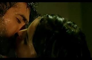 Harmaan baweja sex with his friend'_s girlfriend after drinking in Dishkiyaoon