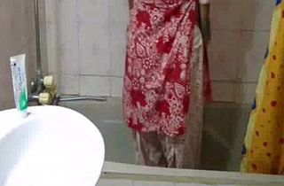 indian babe meenal sood in selfshot shower video stripping naked plus revealing