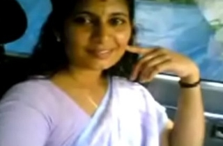 VID-20070525-PV0001-Kerala Kadakavur (IK) Malayalam 38 yrs old married housewife aunty showing her boobs to her illegal lover in car coition porn video