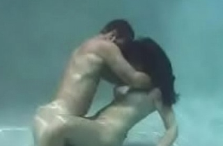 Underwater Hot Sex (Full Video)