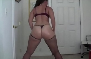 Webcam Twerking Overrefined Booty