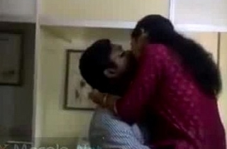 Horny mallu lovers caught having relaxation in office