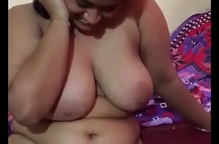 desi bhabi shows her pussy together encircling big boobs