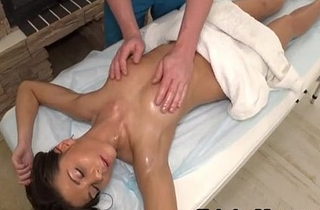 Sporty Babe And Masseuse - Linda Star