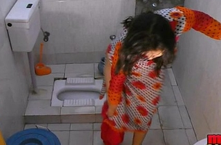 Bhabhi sonia strips and shows the brush spacious letter check up on a long time bathing