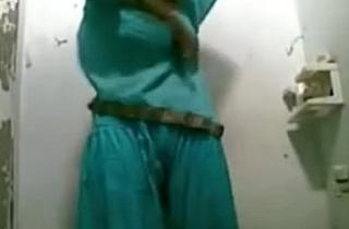 Sexy Bhabhi Nude Shower Show