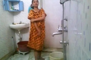 Kirtuepisodes - Indian unreserved bathing nude