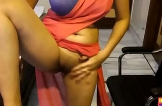 Indian Second-rate In Saree Showing Say no to Shaved Virgin Pussy