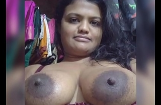 Indian Auny Showing Her Chut